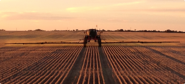 Controlled Traffic Farming with sprayer on permanent tramlines